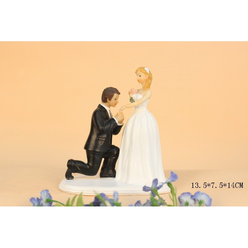 Quick Ship Classic Bride And Groom Wedding Cake Toppers