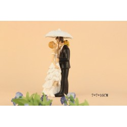 Quick Ship Bride And Groom In The Rain Wedding Cake Toppers